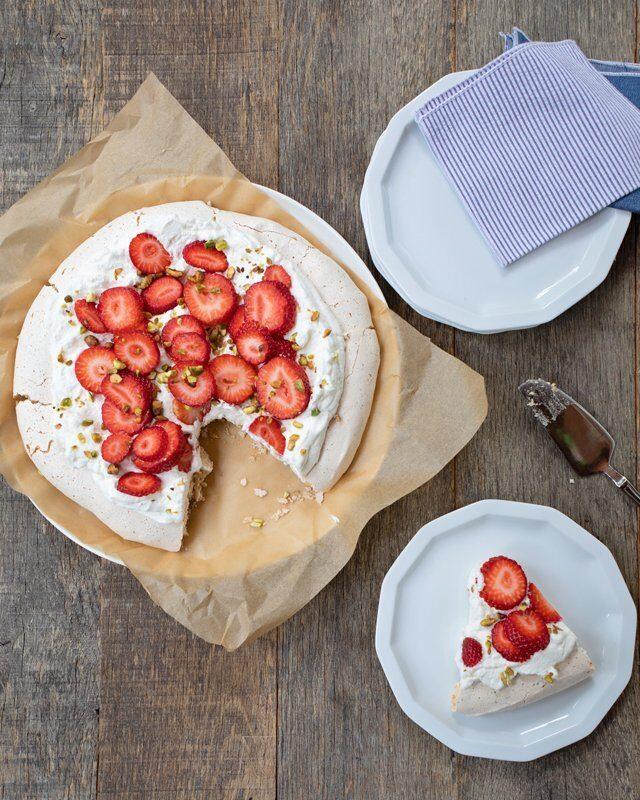 Pistachio Pavlova with Strawberries
