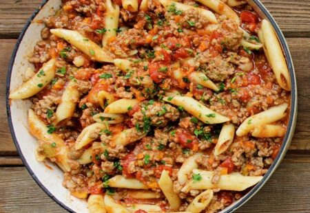 One Pot Penne Bolognese with Fennel Seed