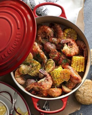 Cast Iron 5.5 Quart Dutch Oven