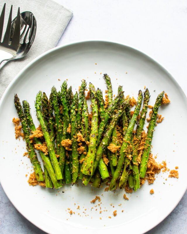 Asparagus with Crispy Parmesan Breadcrumbs